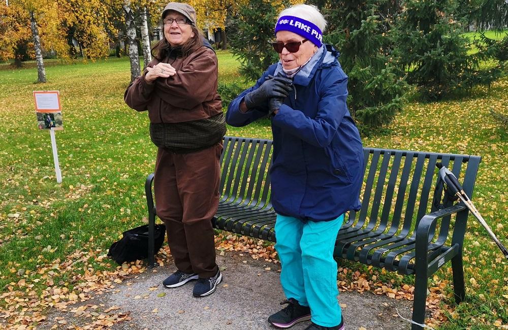 Valtakunnallisena iäkkäiden ulkoilupäivänä aukesi Siltamäen liikuntapuistoon Ikäinstituutin Luontoelämyspolku. Se suunniteltiin yhteistyössä Xamkin opiskelijoiden ja Kotikulmilla-asukkaiden kanssa. Tehtävät ovat kuukauden ajan kaikkien käytössä.